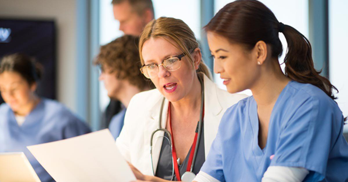 nurses, healthcare professionals collaborating